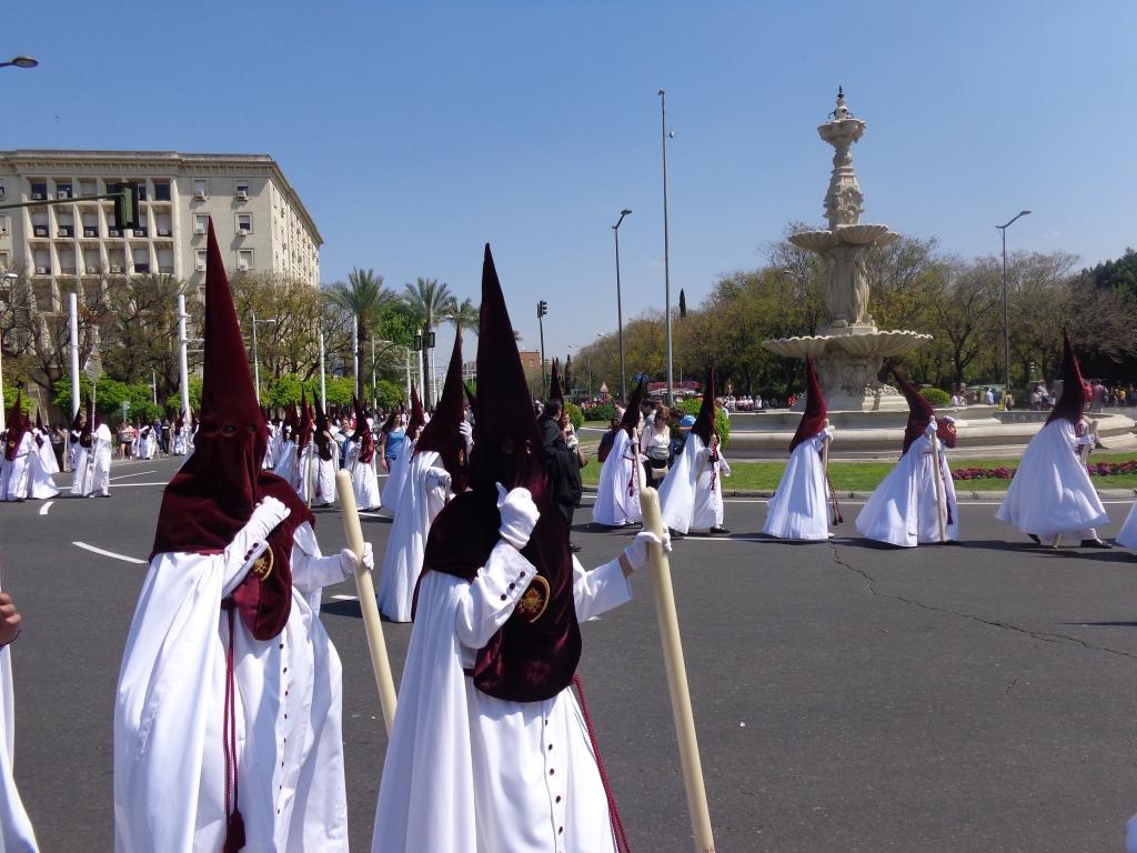 Друга част от шествието в Севиля